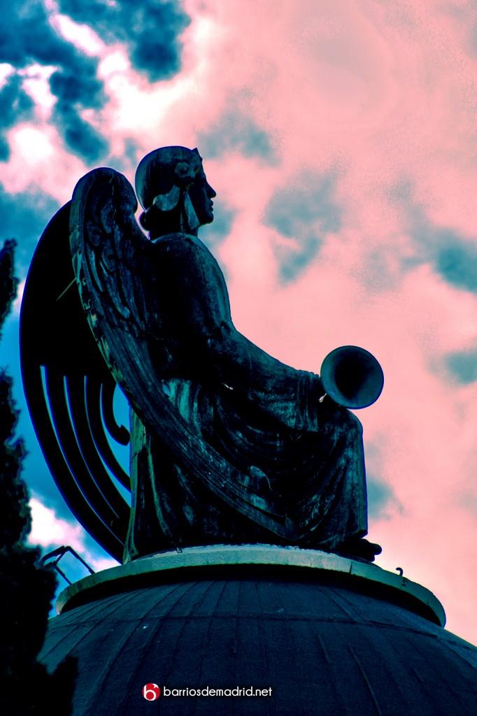 angel trompeta almudena