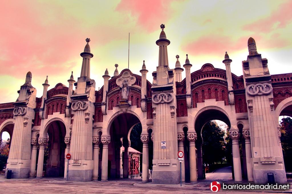 cementerio almudena fachada