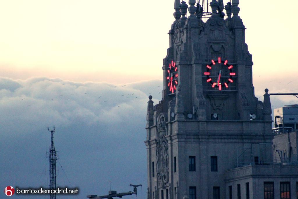 reloj torre telefonica