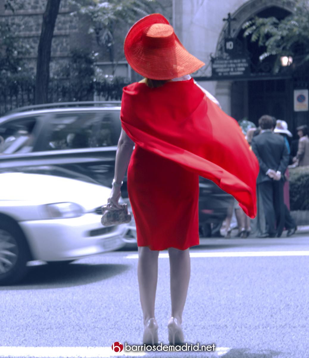 mujer de rojo chamberi
