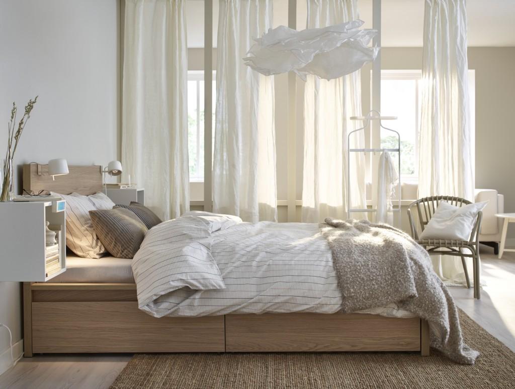 cama con cajones en la parte inferior